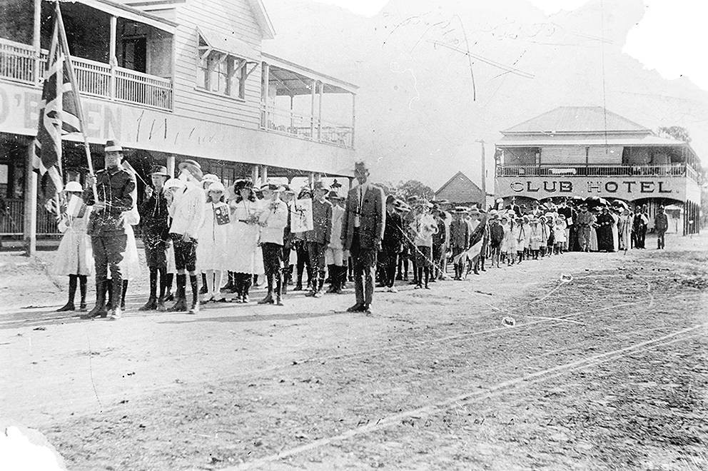 Schoolchildren taking part in an Anzac Day procession in Yuleba, 1916