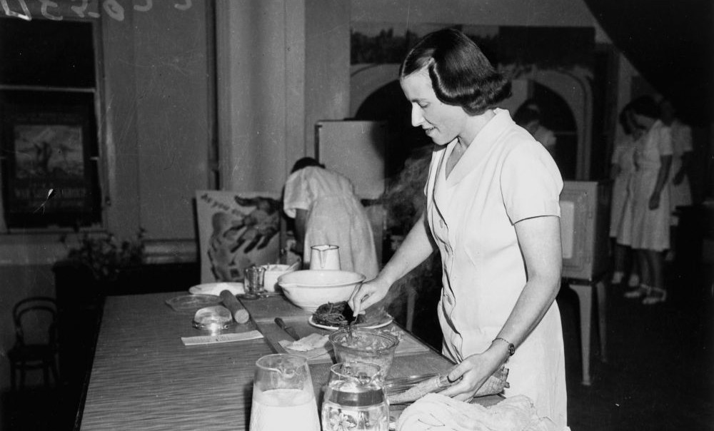Demonstration of Austerity Cooking, Albert Hall Brisbane, 1942